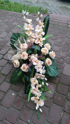 Grave Flowers, Altar Flowers, Church Flower Arrangements, Funeral Flowers, Floral Arrangements, Deco Floral, Arte Floral, Floral Design, Grave Decorations