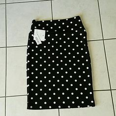Lularoe NWT BRAND NEW Cassie black white polka-dot M. Medium brand new Cassie pencil skirt.brand new with tags still attached. LuLaRoe Skirts Pencil