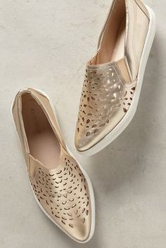 27 Comfortable Shoes To Inspire Every Woman #flats  #shoes  #loafers  #sneakers