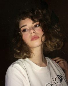 "Curls 611715561876638142 - curly brown blonde hair + cute brunette + aurora ""Pink …- lockiges braunes blondes Haar + süße Brünette + Aurora ""Pink"" curly brown blonde hair + cute brunette + aurora ""pink"" # curly Source by Short Curly Hair, Curly Hair Styles, Cute Brunette, Brown Blonde Hair, Blonde Pink, Brown Curls, Brown Curly Hair, Thick Hair, Straight Hair"