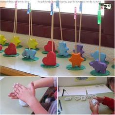 Porta fotos fang o plasti + pinxo + agulleta Kids Crafts, Preschool Crafts, Diy And Crafts, Arts And Crafts, Diy Y Manualidades, Dad Day, Fathers Day Crafts, Classroom Crafts, Cold Porcelain