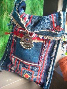 Kok bags Denim Purse, Denim Crafts, Boho Bags, Recycled Denim, Hippie Boho, Hippie Style, Bohemian Bag, Diy Bags, Jean Purses