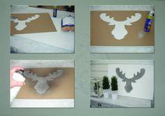 """Kerstcanvas maken: Grote canvas (action) in een basiskleur schilderen / contour rendier uitsnijden / op canvas leggen en de uitkap met lijmspray inspuiten / nepsneeuw overstrooien om een """"harig"""" effectje te krijgen / daarna met verfspray een kleur geven / contour weghalen en ... Kerstschilderijtje klaar!"""