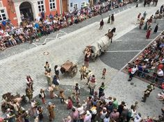 Landshut Wedding in Bavaria is a medieval spectacle Bavaria, Medieval, Dolores Park, Wedding, Mariage, Bayern, Mid Century, Weddings, Middle Ages