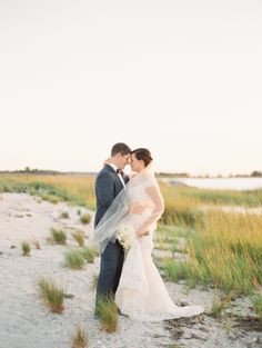 Stunning Beach Photo of the Newly Weds #wedding #photography