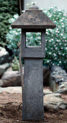 IDEA Cut windows for a light or dandle . transform a house into a lantern Stone Lantern Japanese Garden Lanterns, Japanese Stone Lanterns, Japanese Gardens, Pagoda Garden, Bonsai Garden, Garden Crafts, Garden Art, Urban Garden Design, Zen Rock Garden