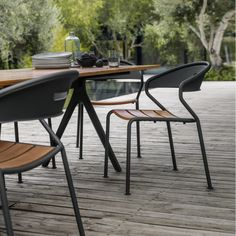 FormOutdoors - Live Outdoors Gloster Curve Stacking Chair #modern #black #teak #wood #outdoorfurniture #outdoordining