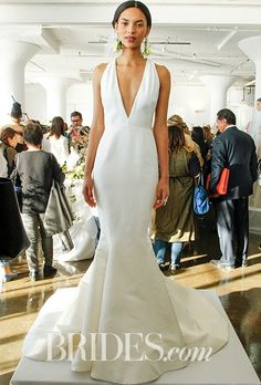 Marchesa Wedding Dress - Spring Mermaid fitted silk faille wedding gown with plunging v-neck and sculptural bow-back detail Marchesa Wedding Dress, Marchesa Bridal, Plain Wedding Dress, Marchesa Spring, Spring 2017 Wedding Dresses, Wedding Dress Trends, Wedding Dress Styles, Wedding Ideas, 2017 Bridal
