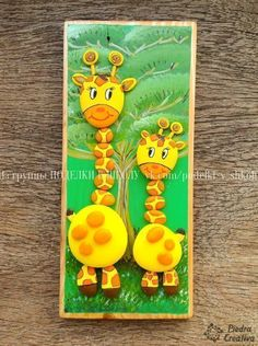 The giraffe is a magical animal, so we show you how to make crafts on it with painted stones to give color to the decoration of your home. Giraffe Painting, Pebble Painting, Pebble Art, Stone Painting, Stone Crafts, Rock Crafts, Clay Crafts, Wooden Crafts, Kids Crafts