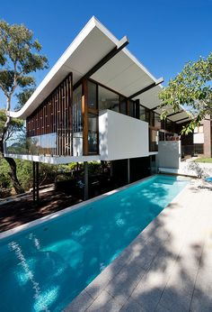 Mayfair Street House by Klopper & Davis Architects