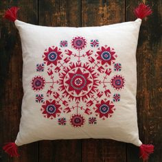 Traditional stitches of Halland County, Sweden Cushion Embroidery, Wool Embroidery, Embroidery Motifs, Cross Stitch Embroidery, Cross Stitch Patterns, Embroidery Designs, Scandinavian Embroidery, Swedish Embroidery, Scandinavian Pattern