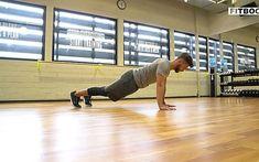 Schritt für Schritt zum fliegenden Liegestütz Fitness Workouts, Anna Kraft, 300 Workout, Spartacus Workout, Killer Workouts, Calisthenics, Personal Trainer, Blinds, Abs
