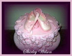 Tutorial for SugarPaste Ballet Shoes by Shirley Wilson - I am definitely going to try this for my daughters ballet recital!