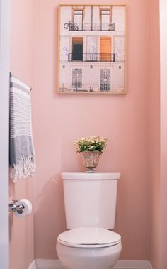 pink bathroom Life In Pink Powder Room Makeover Pink Toilet, Small Toilet, Small Bathroom Paint Colors, Bathroom Pink, Bathroom Ideas, Neutral Bathroom, Bathroom Wallpaper Pink, Paint Bathroom, Bathroom Small