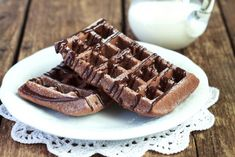 Chocolate waffles with your favorite sugar free SkinnyMe Chocolates! Makes waffles per batch (great for freezing and grabbing on the go! Paleo Chocolate Waffles, Sugar Free Chocolate, Chocolate Flavors, Chocolate Recipes, Sugar Free Recipes, Low Carb Recipes, Waffle Iron Recipes, Low Carb Waffles, Waffle Cake