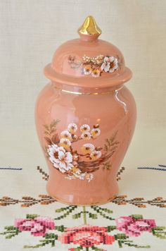 Vintage Sadler ginger jar