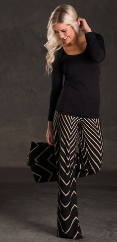 I'm not entirely sure why,palazzo pants but I like these Chevron pants Style Work, Mode Style, Style Me, Simple Style, Looks Street Style, Looks Style, Look Fashion, Fashion Outfits, Womens Fashion