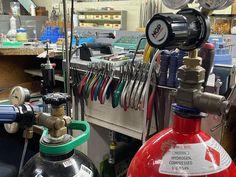 Shop Organisation, Espresso Machine, Coffee Maker, Kitchen Appliances, Instagram Posts, Shopping, Home Decor, Offices, Espresso Coffee Machine