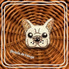 親友の愛犬のフレンチブルドッグをモデルにオリジナル作品を作りました♡ #グルーデコ#フレンチブルドッグ#愛犬#フレブル#frenchbulldog #ブローチ#バッグチャーム#お稽古#習い事#田町#港区