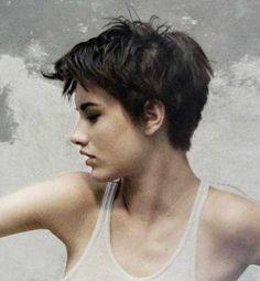 Trendy Women's Short Haircuts You Should Try | http://www.short-haircut.com/trendy-womens-short-haircuts-you-should-try.html