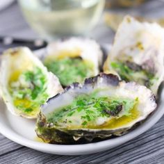 Grilled oysters are topped with a green habanero butter - Perfect for tailgating or a quick, delicious appetizer. Quick Appetizers, Appetizer Recipes, Dinner Recipes, Grilling Recipes, Cooking Recipes, Healthy Recipes, Sushi Recipes, Shellfish Recipes, Seafood Recipes