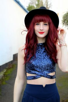 Uk Fashion, Vintage Fashion, Fashion Outfits, Red Hair With Bangs, Hairstyles With Bangs, What I Wore, Personal Style, Sparkle, Crop Tops