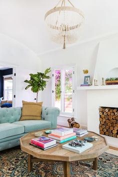 Spark Your Wanderlust with this Designer's Travel Inspired Home is part of home Wallpaper Design - Peek inside this Los Angeles bungalow of an interior designer that boasts worldly inspired decor Living Room Themes, My Living Room, Living Room Interior, Living Room Designs, Living Spaces, Rooms Decoration, Color Melon, Urban Outfitters Home, Style Me Pretty Living