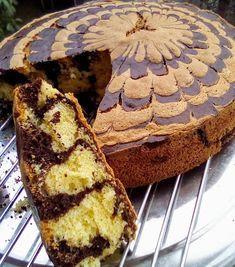 Κέικ ζέβρα !!! ~ ΜΑΓΕΙΡΙΚΗ ΚΑΙ ΣΥΝΤΑΓΕΣ 2 Chocolate Sweets, Love Chocolate, Greek Desserts, Sweets Cake, Cake Cookies, Cupcakes, Sweet Recipes, Bakery, Deserts