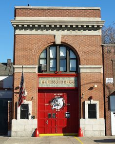 E064 FDNY Firehouse Engine 64, Castle Hill, Bronx, New Yor… | Flickr