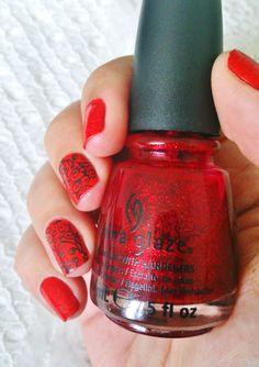 Stamping Flamenco Style ---  China Glaze - Ruby Pumps n°70577 - Mini Bourjois Fashion Show à New York n°93 - Essence Stampy polish