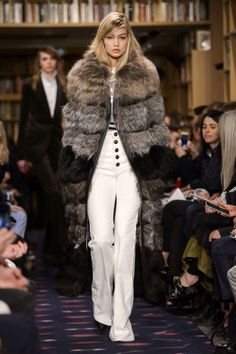 Sonia Rykiel Fall 2015. See all the best runway looks from Paris Fashion  Week here 10d83d4521f