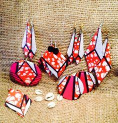 Boucles d'oreilles en formes géométriques, fait avec le tissu Africain Wax.
