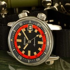 1967 Exactus Diver Super Compressor EEPSA 36mm. case, I love this watch! The brands full name was Montres Exactus SA, and they were based in Neuchatel, Switzerland. It would appear, like many other brands of the era, they were contracting out ready-made designs and re-branding them. The Super Compressor watch case was patented in 1956 …