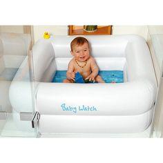 Baby-Pool verwandelt jede Dusche in eine Badewanne für die lieben Kleinen. Sie können Baden, Planschen und Spritzen, ohne eine Überschwemmung im Badezimmer zu verursachen. Da dieser Pool phthalatfrei ist, ist es physiologisch unbedenklich. Mit integriertem Bodenablassventil für sicheren und sauberen Wasserablauf nach dem Baden.