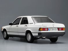 Mercedes 190 (1982 - 1988).