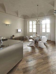 piso de porcelanato que imita madeira na sala de jantar