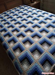 Crochet Pillow Patterns Free, Crochet Bedspread Pattern, Granny Square Crochet Pattern, Crochet Stitches Patterns, Crochet Bunny, Knit Crochet, Crochet Beard, Crochet Circles, Couture