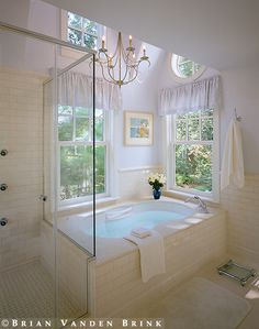 tub/shower combo - Design: Polhemus Savery DaSilva Architects Builders