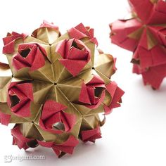 Modular origami ball: Little Roses Kusudama, designed and folded by Maria Sinayskaya. Diagram and video instructions by Tadashi Mori