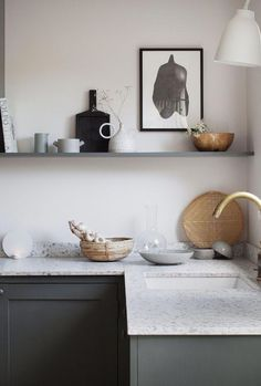 30 Nifty Small Kitchen Design and Decor Ideas to Transform Your Cooking Space - The Trending House Terrazzo, Diy Kitchen Decor, Farmhouse Kitchen Decor, Interior Design Minimalist, Scandinavian Kitchen, Minimalist Kitchen, Minimalist Art, Kitchen Shelves, Kitchen Countertops