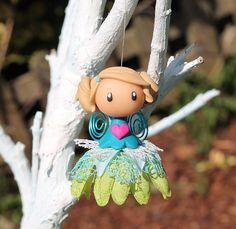 Fée à grelot (suspension décorative) #decoration #fairies #girlsroom #fimo #polymerclay #ornament