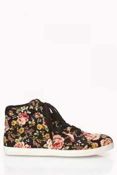 Love the pattern // Forever 21 Sweet Floral High Tops I want these SO bad! Floral Sneakers, Floral Shoes, Sneakers Fashion, Fashion Shoes, Mens Fashion, Fashion Outfits, Fashion Trends, Pretty Shoes, Cute Shoes
