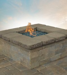 Share stories around your Cambridge fire pit. Entertain friends and family in the comfort of your own backyard; Cambridge Pavingstones with ArmorTec makes this possible!
