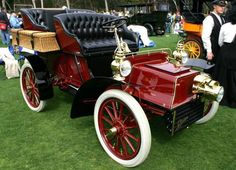 Image from http://www.remarkablecars.com/main/cadillac/cadillac-antique-cars.jpg.