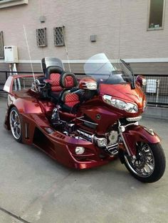 Honda Goldwing https://www.facebook.com/pages/Goldwing-World/485468911520220