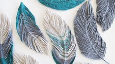 """You can never have too many ideas for making embellishments and this tutorial by """"Blue Sky Confections"""" shows you how to make feathers using wire and yarn! Crafts Free Tutorial: How to use yarn to make feathers Macrame Projects, Yarn Projects, Crochet Projects, Macrame Patterns, Crochet Patterns, Crochet Ideas, Crochet Feathers Free Pattern, Yarn Crafts, Rope Crafts"""