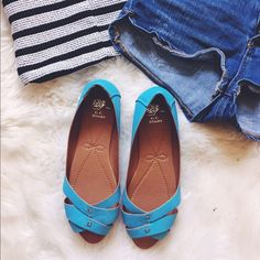 G.C. Shoes Aqua Leather Strap Flats BNWOT. These shoes are comfortable, easy to wear and so chic! The fun color is perfect for the sunny weather! Never worn. Tags not attached. G.C. Shoes Shoes Flats & Loafers