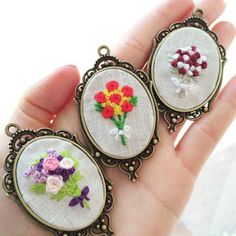 94 Likes, 9 Comments - Maggie Hand Embroidery Flowers, Embroidery Jewelry, Embroidery Hoop Art, Cross Stitch Embroidery, Embroidery Patterns, Handmade Necklaces, Handmade Jewelry, Rococo, Handmade Accessories