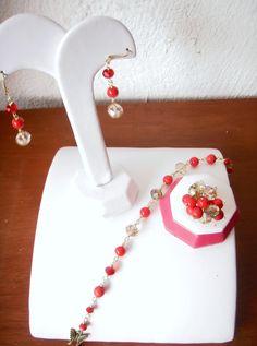 Aretes, pulsera y anillo, combinado rojo con dorado...