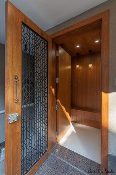 House Main Door Design, Main Entrance Door Design, Wooden Front Door Design, Double Door Design, Home Entrance Decor, Door Design Interior, Interior Design Photos, Home Room Design, Wooden Interior Doors